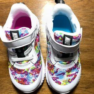 Nike Revolution 5 Fable Children's size 7